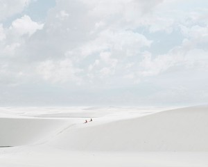 ©-David-Burdeney_1_Desert-Walk-(Resting),-Lençóis-Maranhenses,-2013